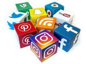 Logos réseaux sociaux cube